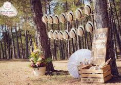 La Boda campestre de María y Codo Rincón de sombreros y sombrillas - El Día más Dulce