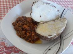 O Inhame é um alimento rico em amido, beta-caroteno, vitaminas C e do complexo B. Contém, ainda, cálcio, fósforo e ferro. É recomendado na prevenção de doenças como dengue, malária e febre amarela.