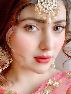 Beautiful Girl Hd Wallpaper, Beautiful Girl Photo, Beautiful Girl Indian, Beautiful Models, Stylish Girls Photos, Stylish Girl Pic, Cute Girl Poses, Cute Girl Photo, Cute Beauty