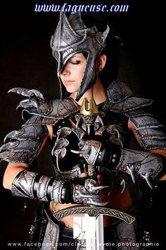 Inspiración para una armadura viviente en El Caballero de la Gallina.