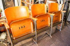 Oude vintage bioscoopstoelen uit een oud frans theater - Stoelen en krukken - Brocantiek de Linde | industrial vintage, brocante & antiek
