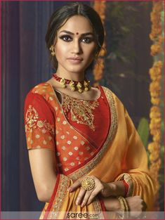 exceptionally designer patterned blouse - hardly available in market blouse patterns . Choli Blouse Design, New Blouse Designs, Stylish Blouse Design, Dress Neck Designs, Saree Blouse Designs, Traditional Sarees, Traditional Dresses, Indian Dresses, Indian Outfits