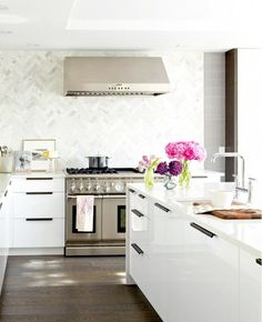 loving the herringbone backsplash--Modern White Kitchen - contemporary - kitchen - toronto - Croma Design Inc Kitchen Interior, New Kitchen, Kitchen Modern, Kitchen Contemporary, Modern Kitchens, Kitchen Layout, Island Kitchen, Awesome Kitchen, Minimalist Kitchen