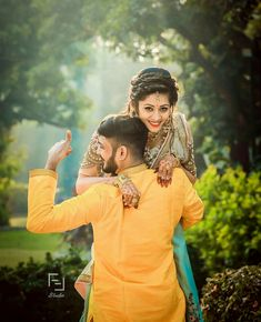 Check more than 61 heart-melting couple hugs & kisses images to draw some inspiration for your wedding photoshoot. These hugs & kisses images of the couple can inspire you for your wedding shoot ideas.