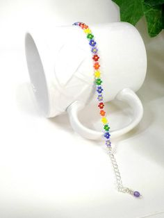 Rainbow Seed Bead Bracelet Handmade Daisy Chain Jewelry Beaded Bracelets for Women Gift for Girlfr Diy Jewelry, Jewelry Gifts, Beaded Jewelry, Chain Jewelry, Flower Jewelry, Handmade Jewelry, Women Jewelry, Bracelet Patterns, Bracelet Designs