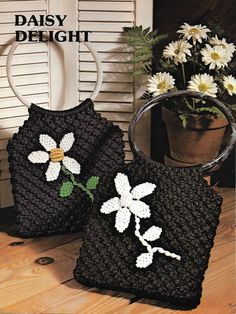 tpys story and The Most Beautiful Pictures at Pinteres It is one of the best quality pictures that can be presented with this vivid and remarkable picture tpys storage . The picture called Macramé Flower Purse Tote Pattern, Purse Patterns, Purse For Teens, Macrame Purse, Hippie Man, How To Make Purses, Daisy, Crochet Barbie Clothes, Sewing Appliques