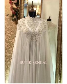 You will find different rumors about the real history of the marriage dress; Muslim Wedding Gown, Wedding Abaya, Muslimah Wedding Dress, Hijab Bride, Wedding Gowns, Modest Dresses, Bridal Dresses, Flower Girl Dresses, Modern Hijab Fashion