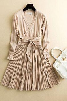 Cream Fit   Flare Pleated Knit Midi Dress