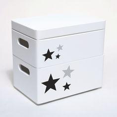 Skrzynia drewniana mała w kolorze białym, motyw gwiazdki. Przechowywanie zabawek, klocków i innych przedmiotów w pokoju dziecka. Praktyczny i ładny dodatek. Container, Storage, Purse Storage, Larger, Store