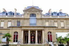 O Museu Jacquemart-André é pouco conhecido pelos turistas e fica longe da agitação dos grandes museus parisienses, mas seu prédio e acervo merecem uma visita. Quando passamos pela porta, não estamo…