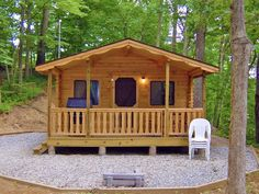 Forget about stuffy hotels and book yourself a cabin stay instead. It's time to sleep on the wild side!