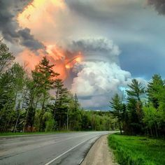 Photo Taken Near Traverse City, Michigan The blazing sunlight makes it look like the cloud is on fire. Traverse City Michigan, Lake Michigan, Storm Clouds, Sky And Clouds, Beautiful Sky, Beautiful Landscapes, Storm Pictures, Wild Weather, Big Sky