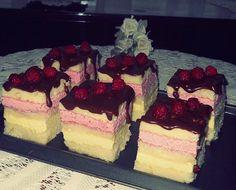 Prajitura cu zmeura si lamaie Romanian Desserts, Romanian Food, Romanian Recipes, Homemade Cakes, Something Sweet, Sweet Recipes, Delicious Desserts, Food To Make, Bakery