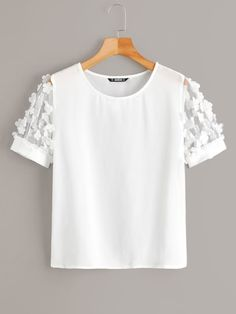 To find out about the Solid Appliques Mesh Sleeve Top at SHEIN, part of our latest Blouses ready to shop online today! Girl Outfits, Cute Outfits, Fashion Outfits, Crop Top Outfits, Summer Shirts, Plus Size Blouses, Short, Diy Clothes, Blouse Designs