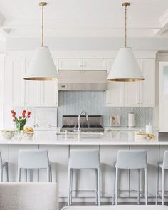 Kitchen inspo #kitchen #decor #design #interiors #interiordesign #interiorstyling #inspiration #neutrals #modern #chic #gold #white #blue #transitional #designanddecoration #decorate #tile by l.k.t_designanddecor