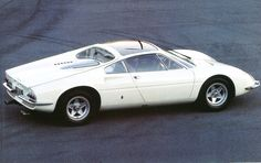 Ferrari 365 P Guida Centrale (châssis 8971) Pininfarina - Salon de Paris 1966 - Automobiles Classiques août / septembre 1986.