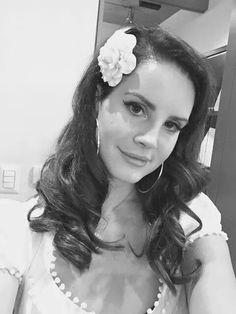 Foto tomada por Lana del Rey♥ antes de subir al escenario en el Auditorio Nacional de México. 06.Octubre.2014