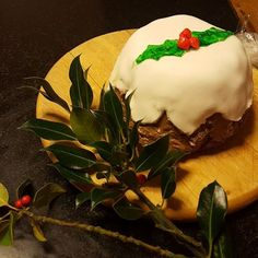 Chocolate Biscuit Cake, Christmas Pudding, Instagram Posts, Desserts, Recipes, Food, Tailgate Desserts, Deserts, Eten