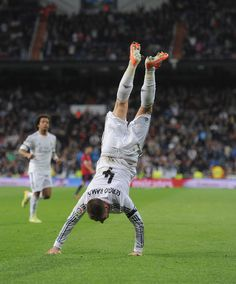 Sergio Ramos Photos Photos - Sergio Ramos of Real Madrid CF celebrates after scoring Real's 3rd goal from a free kick during the La Liga match between Real Madrid CF and CA Osasuna at the Santiago Bernabeu stadium on April 26, 2014 in Madrid, Spain. - Real Madrid CF v CA Osasuna  - La Liga