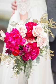 magenta and blush bouquet | Amber Hatley Photography | Glamour & Grace