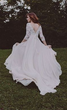 Handcrafted wedding gowns by Rebecca Schoneveld. (http://www.rebeccaschoneveld.com)