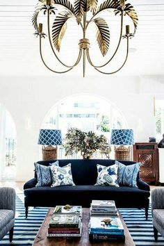 Halcyon House in Australia's Cabarita Beach. This house living room decoration with a beautiful pendants and gorgeous furniture's. It's a beautiful and elegant decoration at this modern and classic living room. Living Room Prints, Living Room Designs, Living Room Decor, Living Rooms, Hamptons Living Room, Decor Room, Navy Blue Decor, White Decor, Blue Home Decor