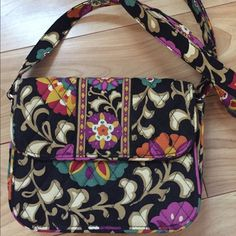 Vera Bradley Crossbody Purse Vera Bradley Crossbody purse with magnetic closure. In the pattern Suzani. Never used, in perfect condition. Vera Bradley Bags Crossbody Bags