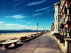 Manhattan beach, ca  Love this!!!