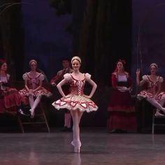 Ballet Dance Videos, Ballet Dancers, Shall We Dance, Just Dance, Ballerini, Ballet Pictures, Ballet Photography, Ballet Beautiful, Pointe Shoes