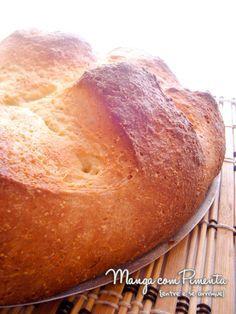 Pão de Fubá ou Pão de Milho, para você fazer na sua casa. Clique na imagem para ver a receita no blog Manga com Pimenta.