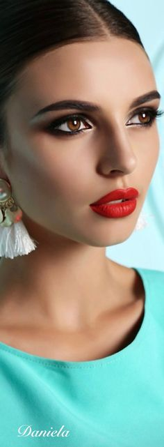 Beauty Makeup, Eye Makeup, Hair Makeup, Beautiful Lips, Simply Beautiful, Perfect Red Lips, Turquoise Fashion, Color Lila, Brown Eyed Girls