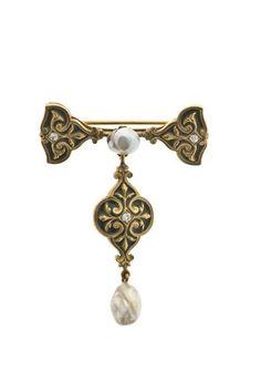 Brooch. Rene Lalique Circa 1895-1897. Gold, pearl, enamel.