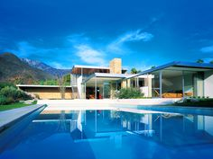 The Kaufmann House, designed by architect Richard Neutra MORE AT http://www.mountainliving.com/article/design-destination-palm-springs