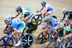 Big Power Does Not Require Big Gears  At a recent velodrome session a number of athletes appeared to be grinding or pushing big gears. When asked why, they said that bigger gears allowed them to generate higher watts.