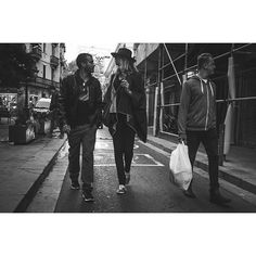 #barcelona #streetlife #streetstyle #streetphotography #streetphoto_bcn #streetphoto_bw #bnw_life_invite #bnw_life #bnw_street #bnw_barcelona #blancoynegro #blancinegre #fujix100 #fujifilmxworld_es #esFujifilmX #thebarcelonist #love_barcelona #street_persons #x100sbest #35mm #barcelona_black