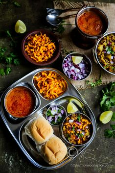 Kolhapuri Usal/Misal Recipe with Kat and Kolhapuri Masala Veg Recipes, Indian Food Recipes, Vegetarian Recipes, Chicken Recipes, Recipies, Indian Street Food, South Indian Food, Misal Pav Recipes, Traditional Indian Food