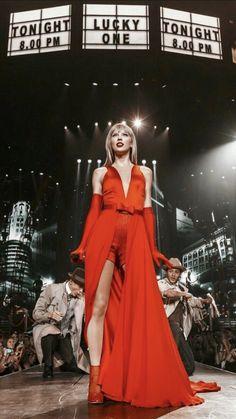 Taylor Swift Red Tour, Estilo Taylor Swift, Long Live Taylor Swift, Taylor Swift Hot, Taylor Swift Style, Red Taylor, Taylor Swift Pictures, Young Taylor Swift, Taylor Swift Funny