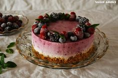 TARTA DE MOUSSE DE YOGURT CON FRUTAS DEL BOSQUE | Sweet Addict
