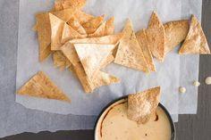 Chilli con queso (jalapeno cheese sauce)