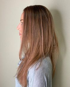 Go in a different direction from the usual way of wearing a balayage. Show off a marvelous color blend with these trendy balayage on straight hair looks! Red Balayage Highlights, Red Balayage Hair, Balayage Straight Hair, Blonde Balayage Highlights, Brown Balayage, Caramel Highlights, Blonde Hair, Latest Hairstyles, Straight Hairstyles