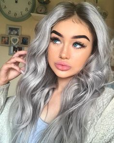 100 dark hair with heavy platinum highlights perfect when you're going grey page 100 dunkle Haare mit starken platinfarbenen. Silver Blonde Hair, Teal Hair, Pastel Hair, Dark Hair, Grey Hair Colors, Grey Platinum Hair, Dark Grey Hair Color, Ash Grey Hair, Long Silver Hair