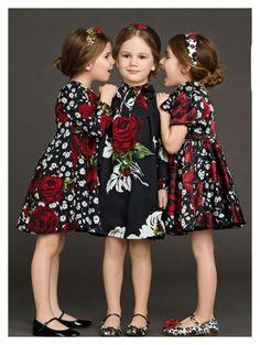 Dolce and Gabbana Kids Girl Fashion Winter 2016 22 Fashion Kids, Little Girl Fashion, Little Girl Dresses, Girls Dresses, Tutu Dresses, Fashion 2016, Floral Dresses, Dolce Gabbana 2016, Dolce And Gabbana Kids