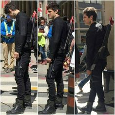"""- Malec Squad ➰- 3 girls (@malec_squad) en Instagram: """"Warning: this is a collection of pictures in which Matt's neverending legs shamelessy make their…"""""""