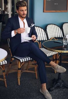 8 Excellent Mens Business Casual Fashion Tips! Nas Kobby Studios is part of Mens fashion business casual - Is your mens business casual fashion out of control It doesn't matter your sense of style, you should always know in advance how to put together […] Formal Men Outfit, Men Formal, Casual Outfits, Casual Blazer, Casual Jeans, Work Outfits, Formal Outfits, Heels Outfits, Emo Outfits