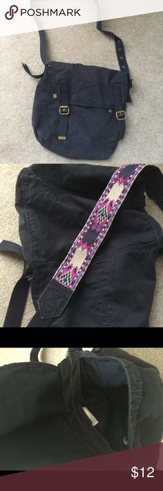 Black Fabric Purse Snap closures. Printed shoulder strap. American Eagle Outfitters Bags