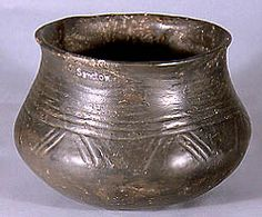 Ashmolean Museum: PotWeb: Early Saxon pottery 5 Production centre local Distribution local Use as a cremation urn Date 5th - early 6th century AD