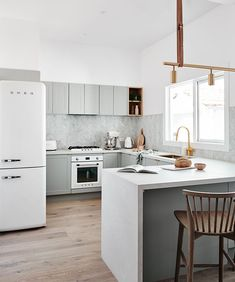 A U-shaped kitchen layout is practical, space-efficient and (as we'll show you) can be extremely stylish. Use these ideas to inspire your new kitchen layout Grey Kitchens, Luxury Kitchens, Cool Kitchens, Home Decor Kitchen, Kitchen Interior, Kitchen Ideas, Diy Kitchen, Kitchen Storage, Grey Kitchen Designs