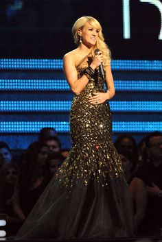 Beautiful Singer & Dress!  Carrie Underwood