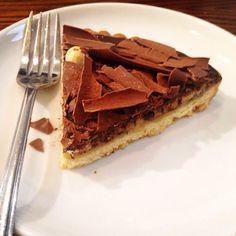 KC Peaches chocolate & hazelnut tart Chocolate Hazelnut, Peaches, Tart, Pie, Desserts, Food, Torte, Tailgate Desserts, Cake