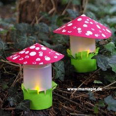 Fliegenpilze aus Joghurtbecher / Fly agarics made of yoghurt cups / Upcycling Diy Crafts To Do, Cute Crafts, Fall Crafts, Diy For Kids, Crafts For Kids, Shower Tower, Hanging Lamp Shade, Library Art, How To Make Lanterns